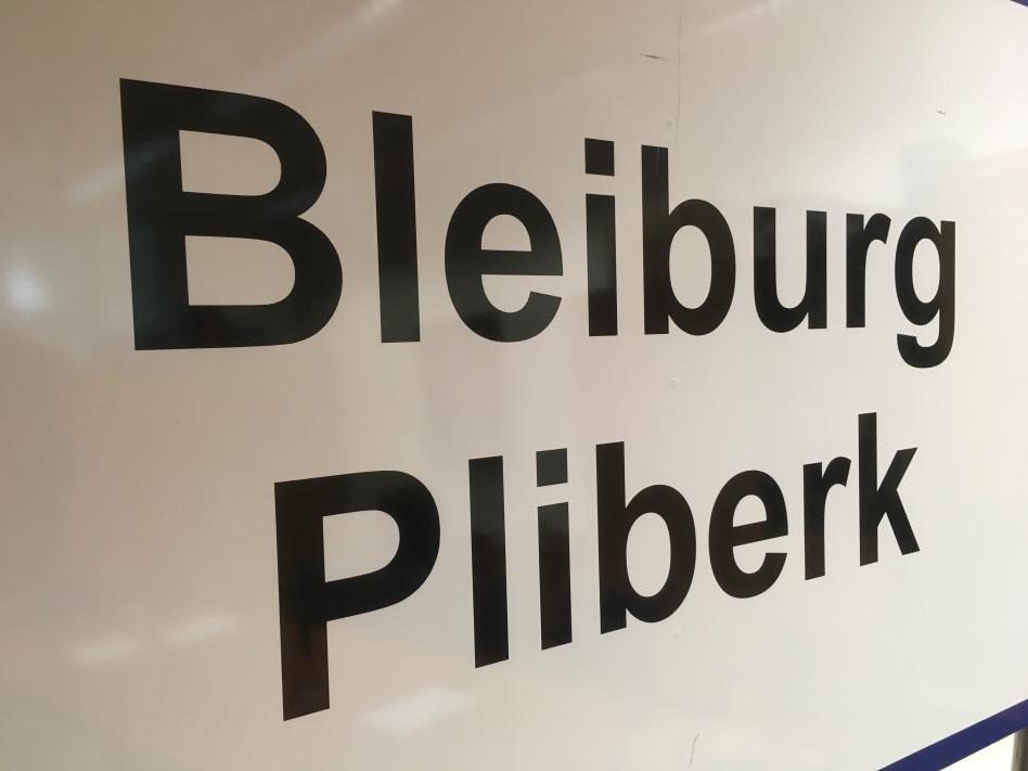 Slika: Soglasen sklep za dvojezične krajevne oznake