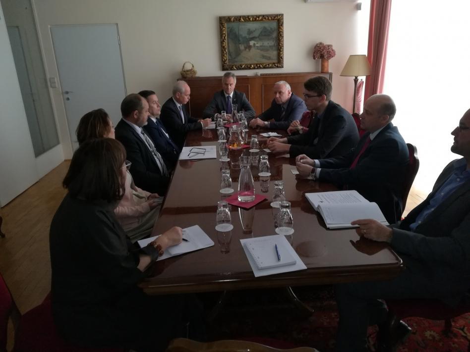 Slika: slika: https://www.facebook.com/Slovenski-generalni-konzulat-v-Celovcu-Slowenisches-Generalkonsulat-1502231150053363/