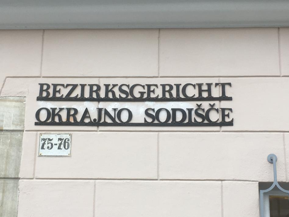 Slika: Dvojezično sodstvo